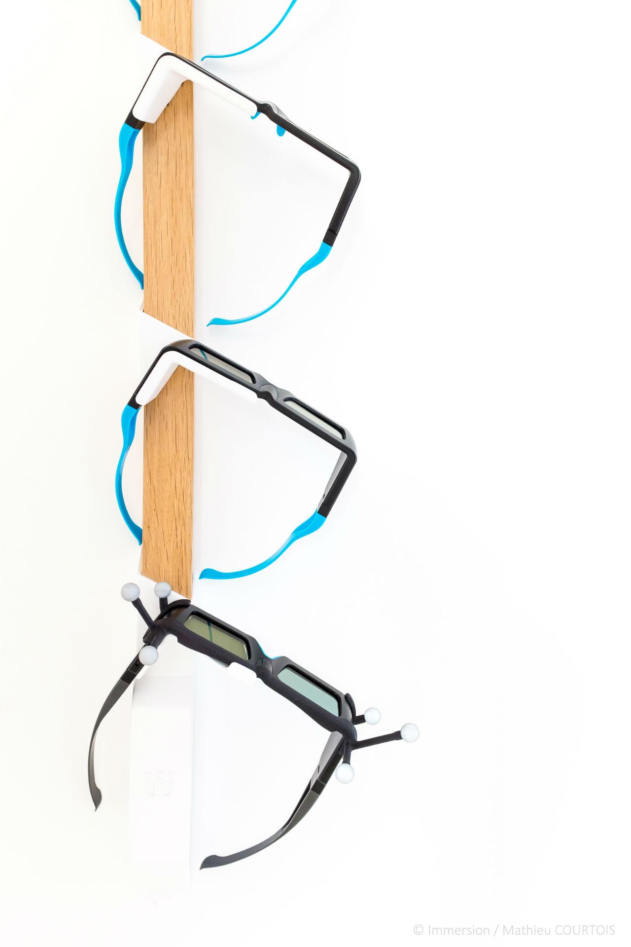 Support pour lunettes 3D par Immersion pour les lunettes Edge VR et Edge RF de marque Volfoni